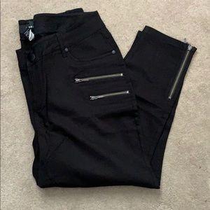 Torrid black skinny pants zipper detail leg 16